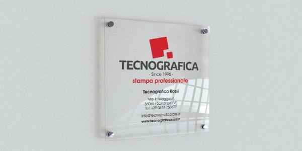 Targhe personalizzate in plexiglass